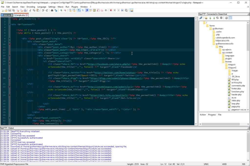 Interface do programa Notepadd++, ao lado esquerdo é possível ver o plugin de FTP em execução exibindo a árvore de diretórios do servidor e abaixo um console que mostra os pedidos feitos feito ao servidor.